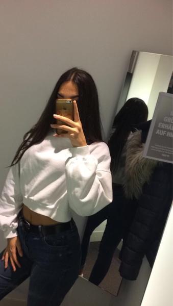 Hübsche mädchen spiegelbild